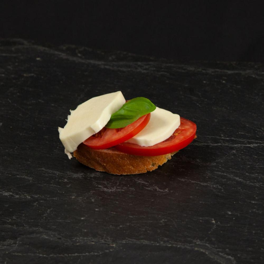 Canapè Tomaten Mozzarella, Brötchen Tomaten Mozzarella
